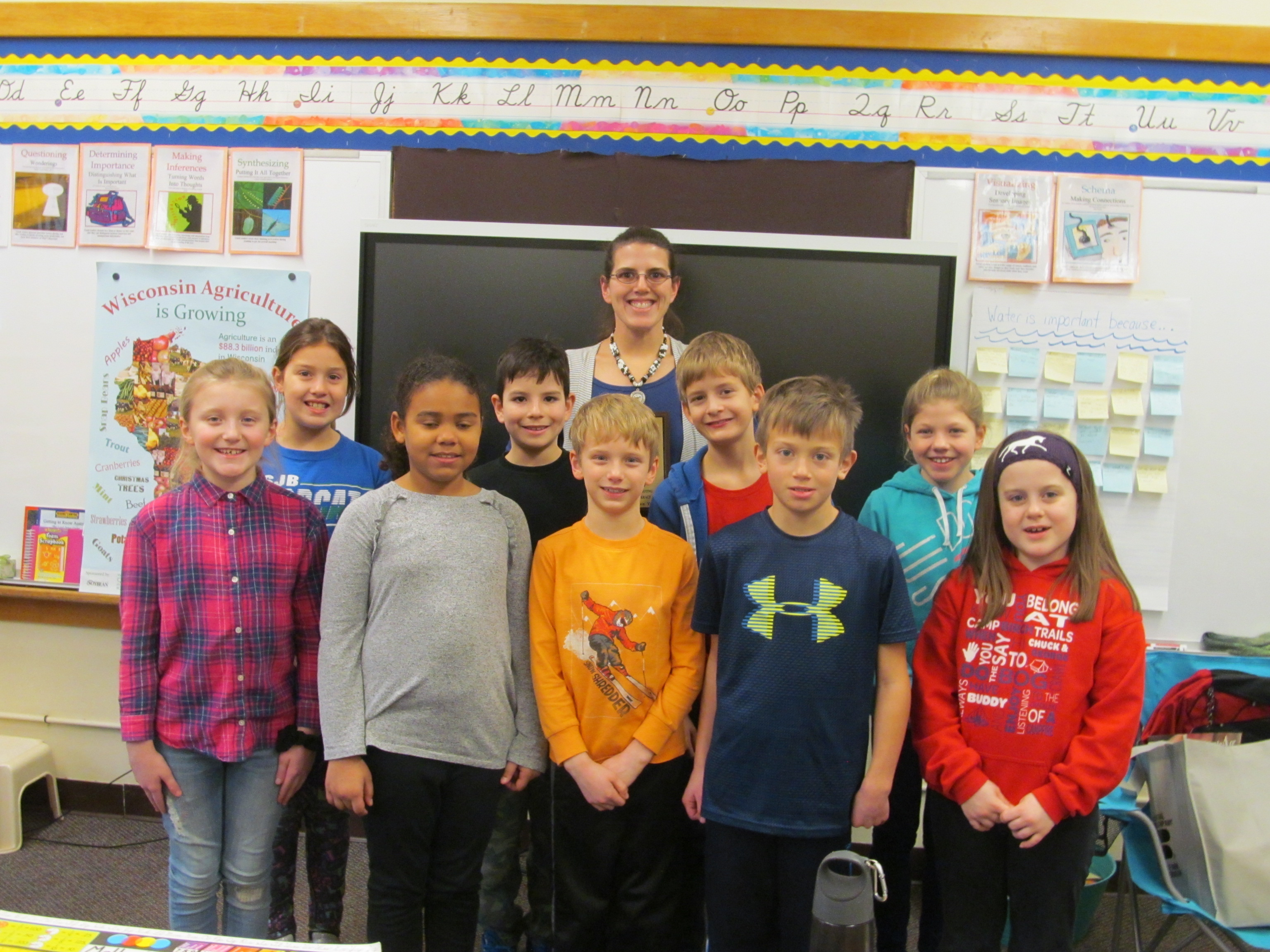 Mrs. VandenBush, 2019 Wisconsin Ag in the Classroom Outstanding Teacher, pictured with her students.