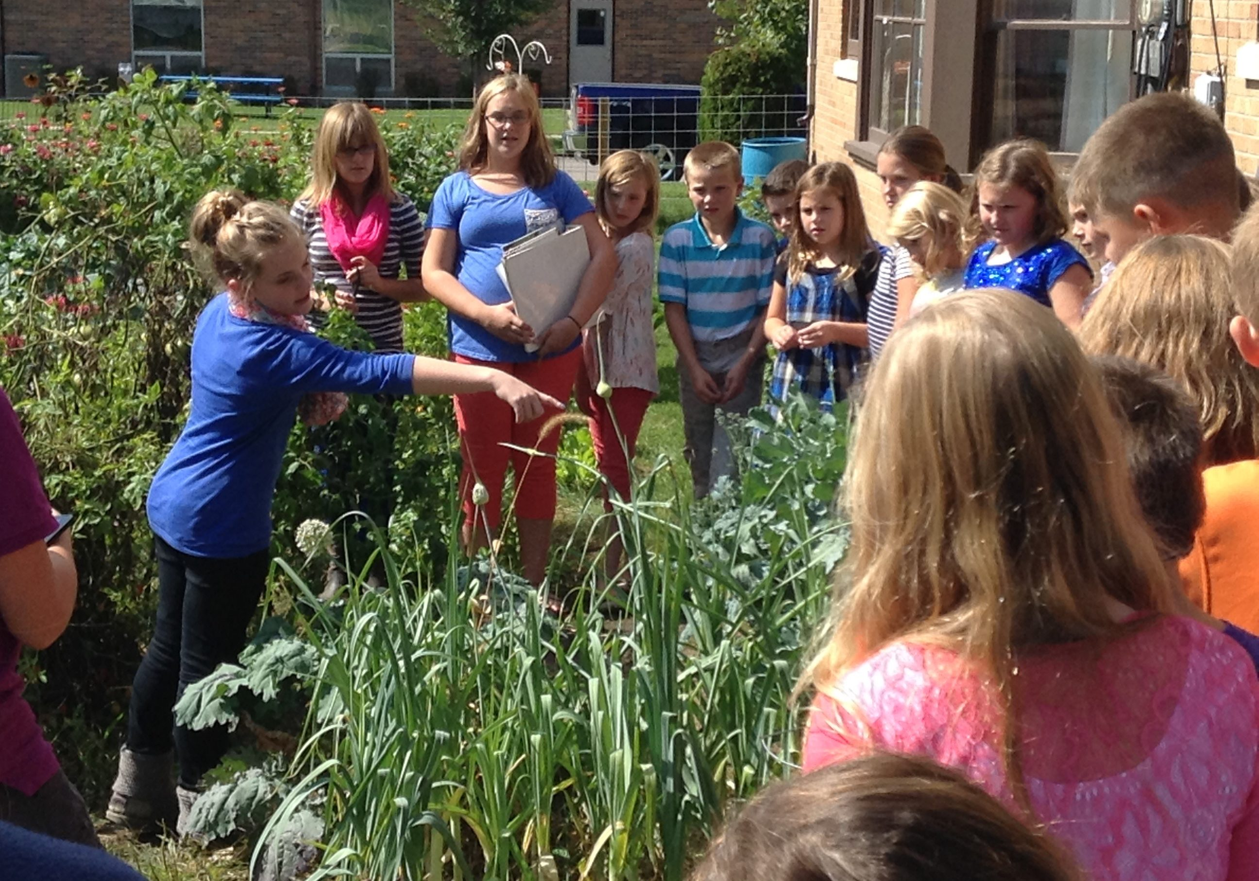 Stolz-student leaders in garden